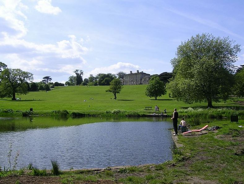 An example of Cusworth Park, showing off some beautiful scenery and a route of Doncaster Walks